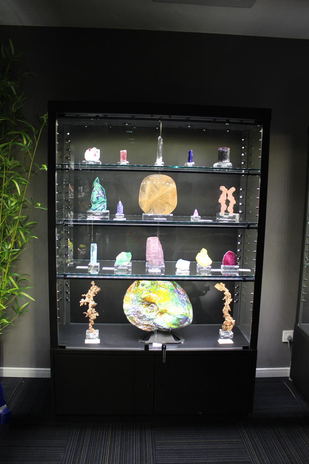 Natural-Art-Case-of-Crystals